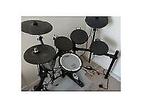 Roland Electronic Drum Kit, TD-15 Modul, Tama Iron Cobra P900 Double Bass and chair