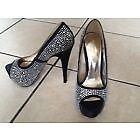 NEW WITH BOX LADIES BLINGY DIAMONTE GORGEOUS BLACK SHOES SIZE 5