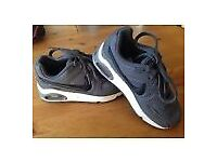 kids nike airmax 1 trainers new condition size 11