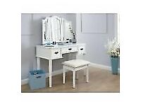Bella dressing table and mirror