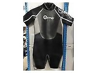 Brand new shortie Osprey wetsuit age 5 to 6