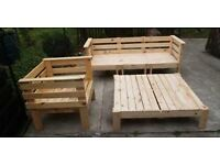 looking for free wooden pallets small or large