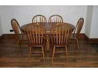 Solid wood pedestal dining table with 6 chairs (107cm x 153cm extended)