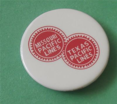 Missouri & Texas Pacific Lines  - Train Pin / Button