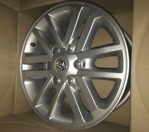Toyota Hilux Millenium Silver 17x7.5 rims X4