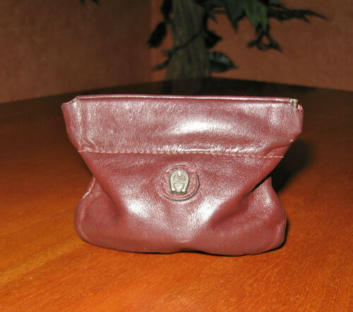 Vintage Accessory Etienne Aigner Small Brown Snap Closure Coin Purse Mini Wallet