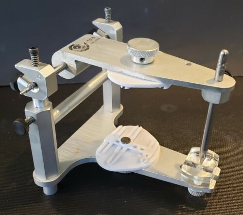 PPS Adjusatble Articulator with Anterior Guide Table                    CW