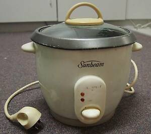 Old rice cooker $5 Canberra City North Canberra Preview