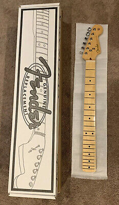 Fender Classic Player 50s Stratocaster Strat Soft V Maple Neck & Vintage Tuners