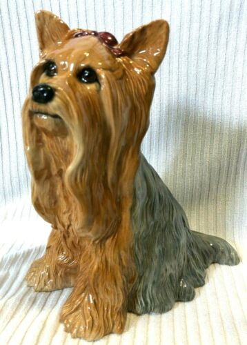 "10"" YORKSHIRE TERRIER PORCELAIN FIGURINE. BESWICK #2377, FLAWLESS YORKIE SHINEY"