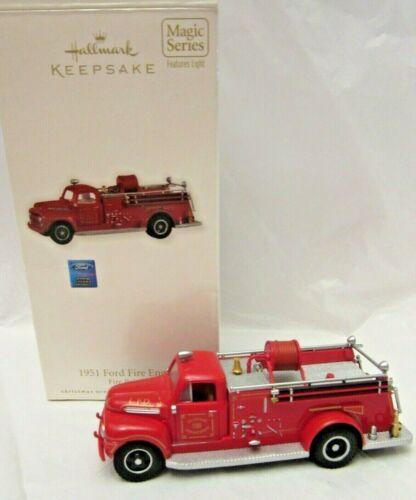 Hallmark Keepsake 1951 Ford Fire Engine Brigade Ornament Flashing Head Lights