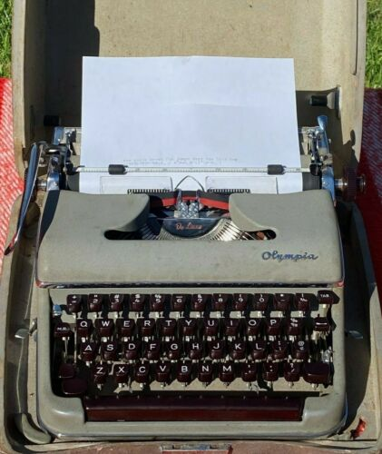"""SERVICED RARE Olympia SM3 Rare """"Pica"""" Typeface Manual Portable Typewriter 1955"""
