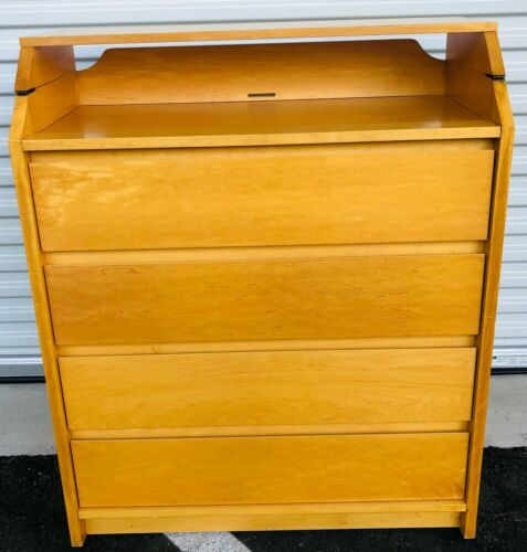 4-Drawer Solid Wood Dresser Baby Changing Table Combination
