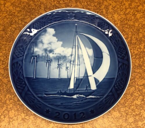 """2012 Royal Copenhagen Christmas Plate  """"Horns Reef"""" in EXC. COND."""