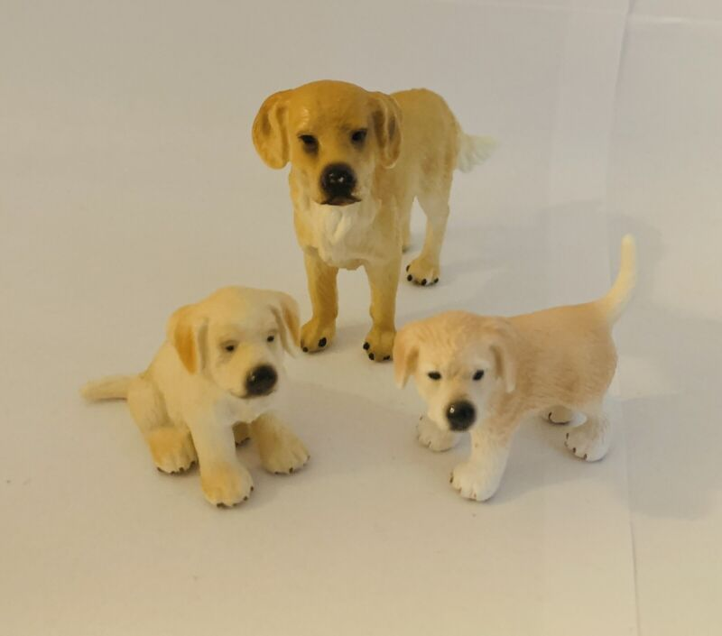 Schleich Golden Retriever Dog Puppy Set Of 3 Vinyl Figures 16335, 16342, 16378