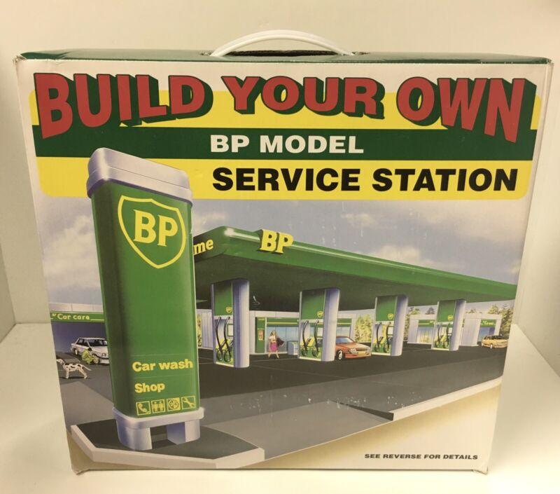 Build Your Own BP Model Service Station Gas Pumps Car Wash Shop NOS