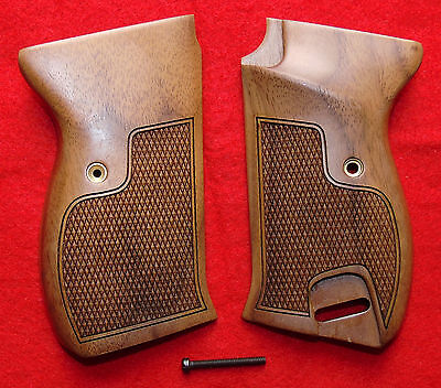 NEW Walther P-38 P38 P-1 P1 Checkered Wood Pistol Grips & Screw