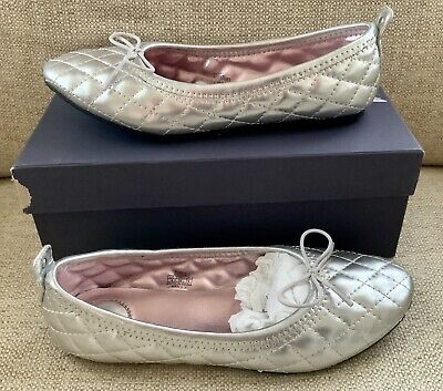 Stuart Weitzman Kids -Puffy Ballet Shoe -Size 4 -Silver -Preowned with box