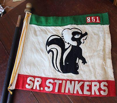 Vintage Boy Cub Scouts of America Sr. Stinkers 851 BSA Troop Felt Flag w/ Pole