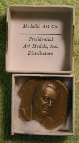 Franklin Delano Rooosevelt  Medallic Arts medal in box 32mm bronze