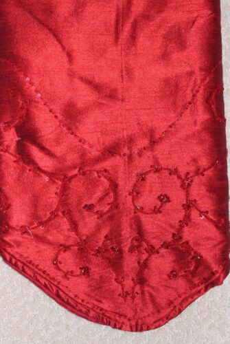 """NWT! $70 The Christmas Shoppe 52"""" Octagon Tree Skirt, Red Satin Beads & Sequins"""