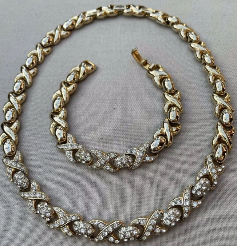 VINTAGE 22ct GOLD PLATED NECKLACE & MATCHING BRACELET SET WITH CRYSTALS VGC