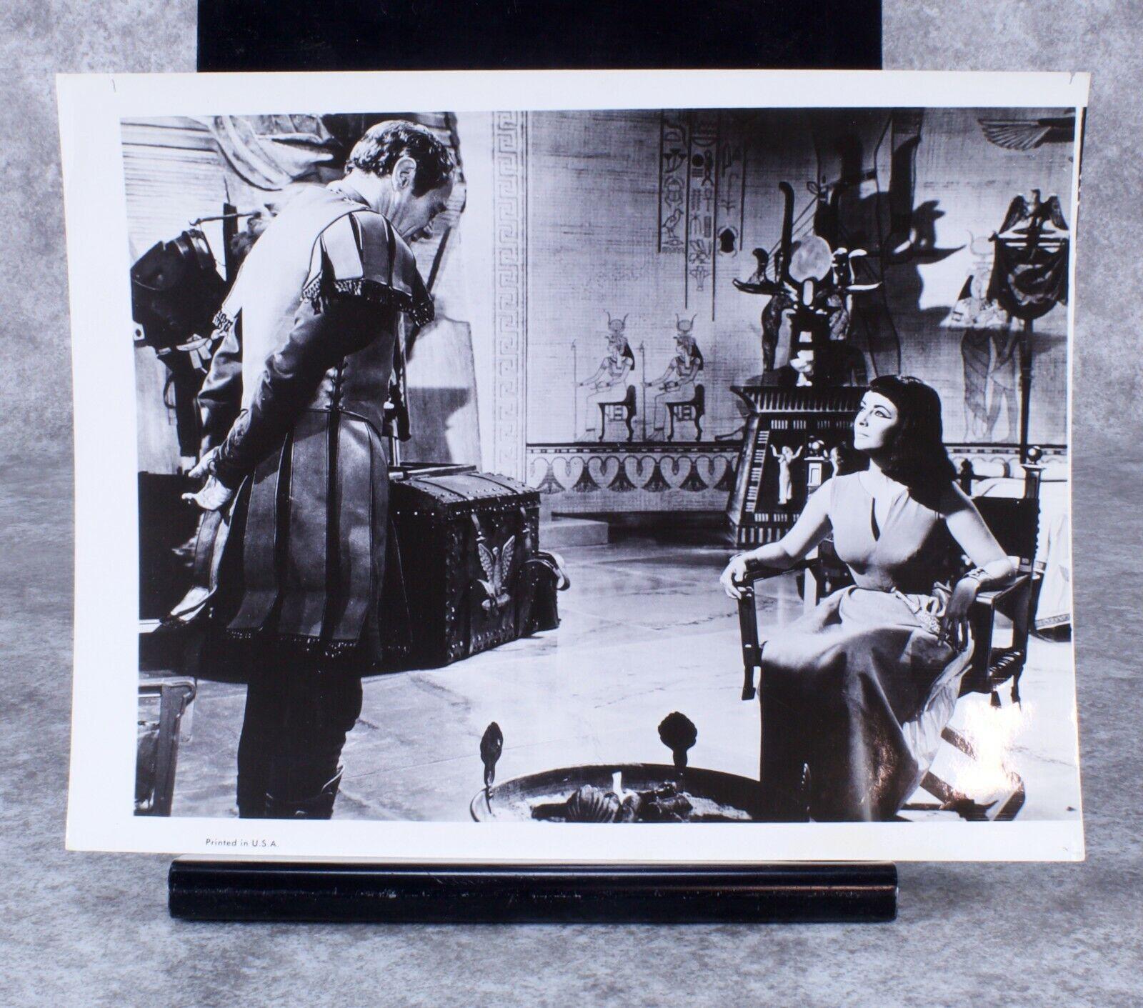Cleopatra Original Photograph 1963 Elizabeth Taylor And Rex Harrison  - $20.00