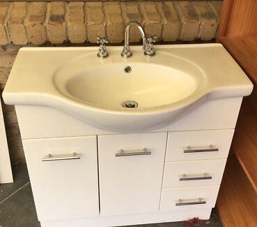 Bathroom vanity complete set