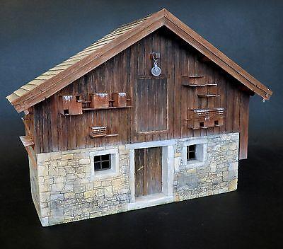 PLUS MODEL #487 Farmhouse for Diorama in 1:35