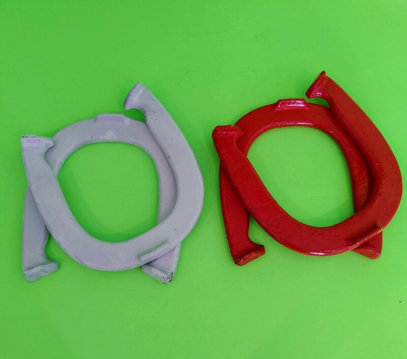 VINTAGE SET OF 4 DIAMOND  DOUBLE RINGER HORSESHOES 2-1/2 LBS Official