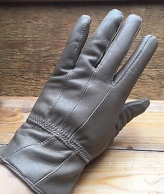 Vintage Ladies Taupe Brown Leather Gloves/Retro/Fitted/60's/70's?/Smart