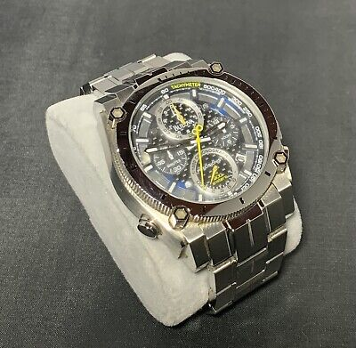Bulova Precisionist 96B175 Wrist Watch for Men Chronograph Curve Pre Owned Used