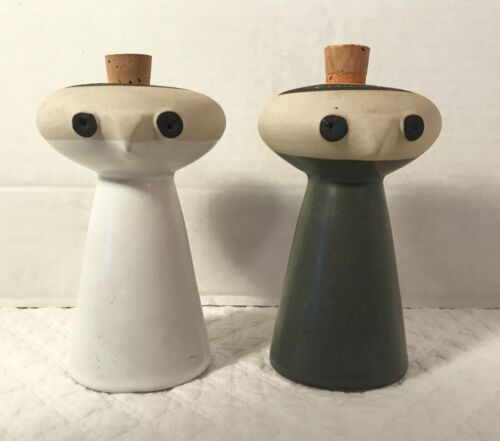 "DAVID GIL for Bennington Potters MCM ""Mr. Salt & Mrs. Pepper"" Shakers RARE"