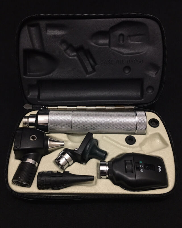 Welch Allyn 26500Pneumatic Otoscope, 25020 Ophthalmoscope 11720!Diagnostic Set!!