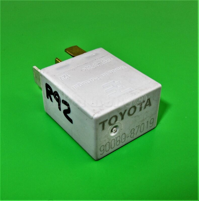 92-Toyota Lexus /95-10 Multi-Use 4-Pin Silver Relay 90080-87019 Bosch 0332011001