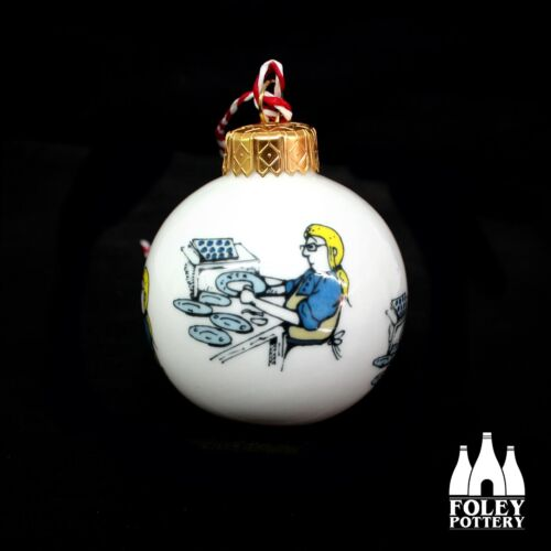 Stoke+on+Trent+%3A+Lithographer%3A+Bone+China+Christmas+Bauble+By+Foley+Pottery+