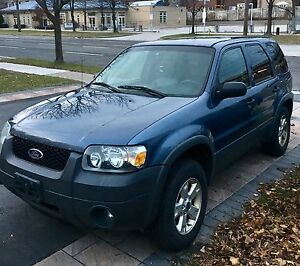 2006 FORD ESCAPE-XLT V6 AWD (MUST GO ASAP!!) $1500!!