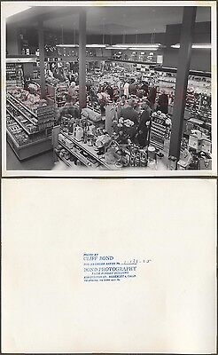 Vintage Photo Men   Women Shopping In Appliance Store Interior 671912