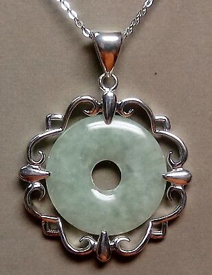 Lovely STERLING Silver CARVED Green Jadeite JADE Disc PENDANT w/18