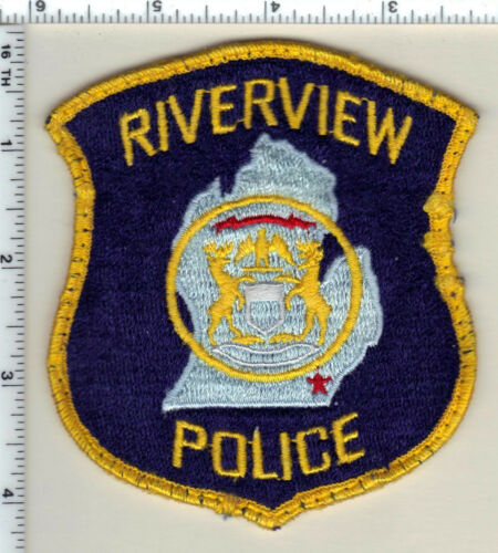 Riverview Police (Michigan) Uniform Take-Off Blue Shoulder Patch from 1992