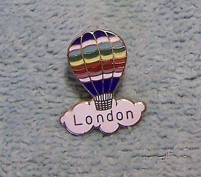 LONDON BALLOON PIN