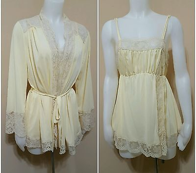 2 Piece Set Vintage 70's Ivory Olga Lace Nightie And Short Tie Robe