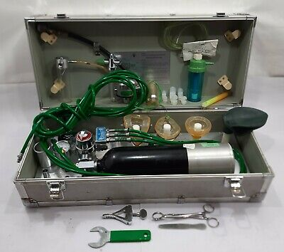 Emergency Oxygen Resuscitator Nippon Senpaku Yakuhin P-102 Ambulance Japan Made