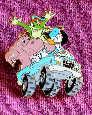 Disneyland DONALD DUCK and FRIENDS IN JEEP GWP Pin - Retired Disney Pins