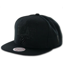 Miami HEAT TEAM COLOR TONAL BLACKOUT Snapback NBA Mitchell & Ness Hats Caps
