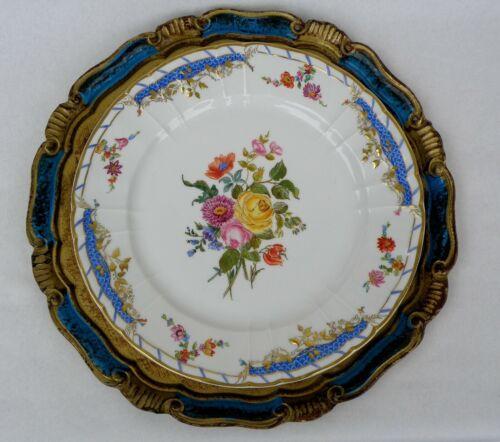 Kpm Splendid Large Plate Fabulous Flowers and Gilding Decoration