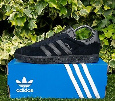 BNWB  Genuine Adidas Originals ® Gazelle Triple Black Suede Trainers UK Size 8.5