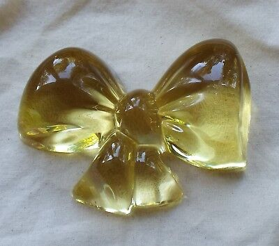 Baccarat Crystal Pale Yellow Glass Bow Paperweight Signed Excellent Vintage Cond