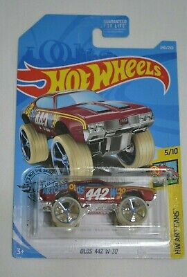 2019 HOT WHEELS HW ART CARS 5/10 OLDS 442 W-30 RED