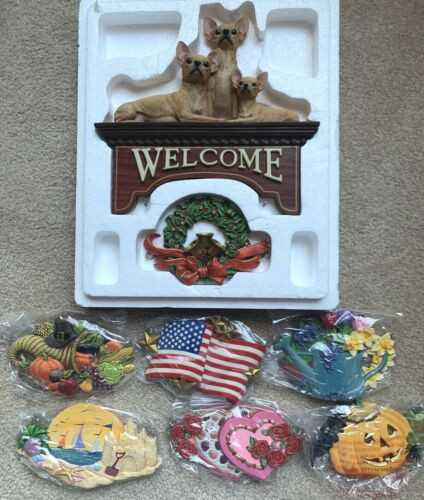 Danbury Mint Chihuahua Welcome Sign With 7 Changeable Seasonal Plaques No Box.
